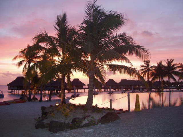 Pollygone Travel - Tahiti - Bora Bora sunset.